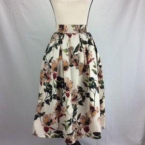Zara Woman Floral Midi Skirt w/ Pokets EUC